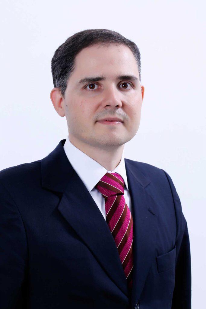 Dr Fernando Mattos